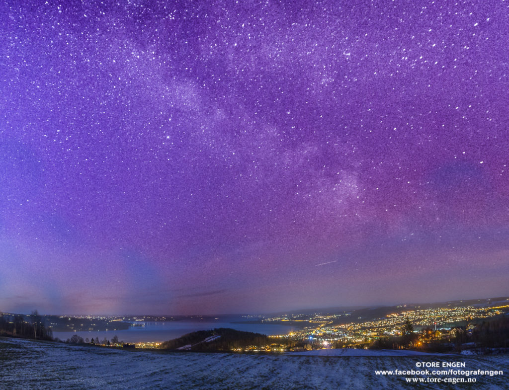 Bilde av stjernene i Melkeveien, sett fra Øverby, Gjøvik.